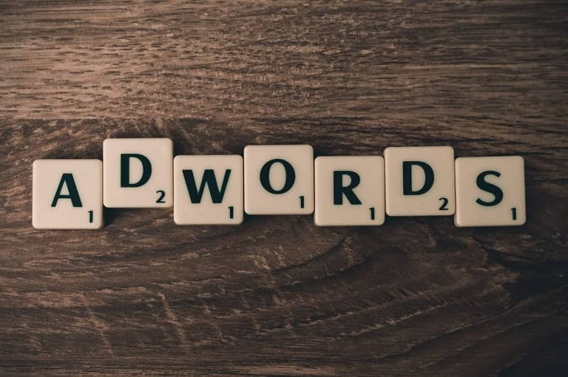 Letter 'Adwords' on a square shape
