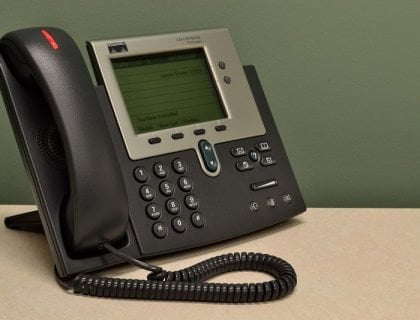 Setting voicemail in business telephone